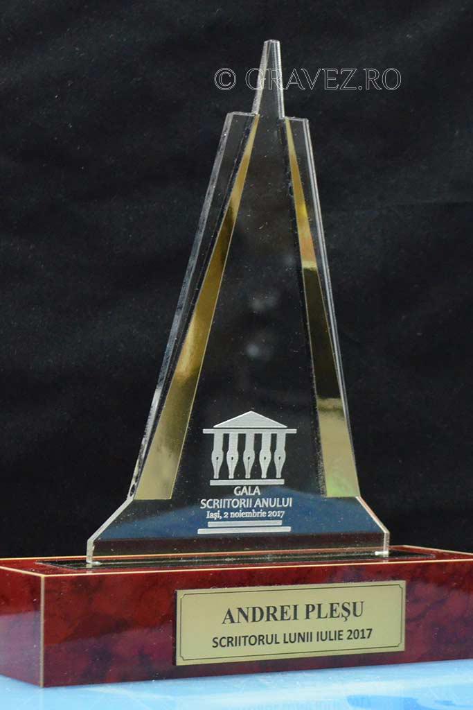trofeu materiale speciale si acril Uniunea Scriitorilor